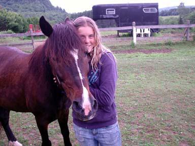 13-letna Sabrina s svojo kobilo Mimi.